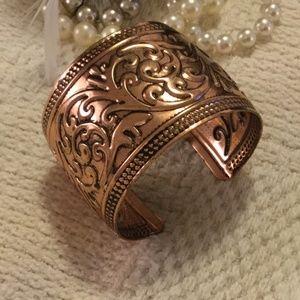 Jewelry - Sparkly Copper Floral Pattern Cuff Bracelet